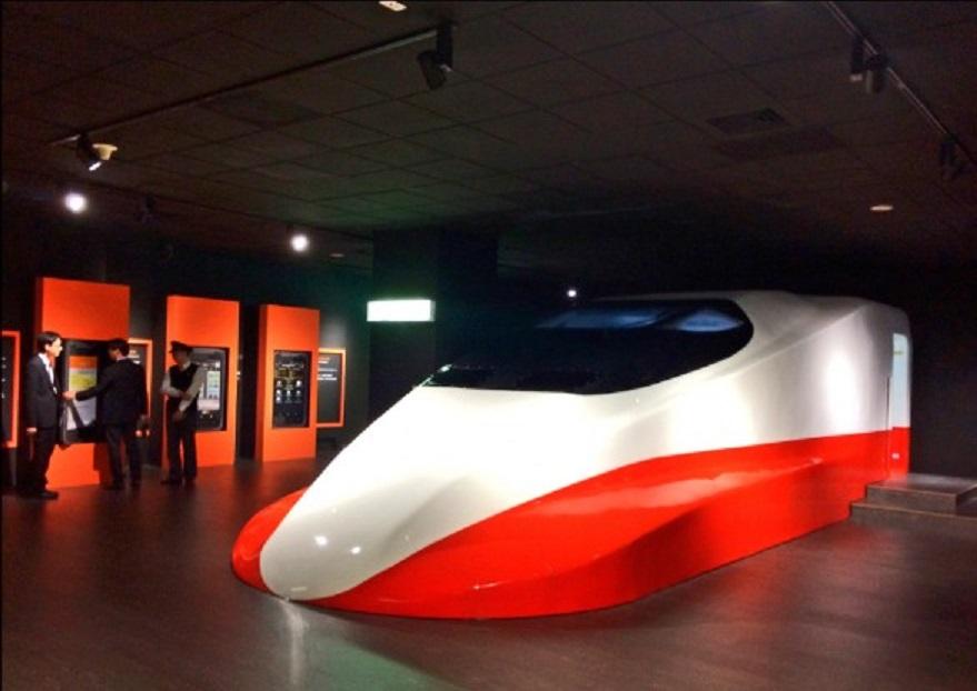 台灣有高鐵為什麼不說都是陳水扁的成就?