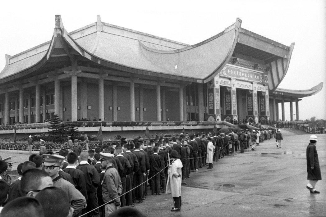 「台灣人的悲哀」 與 「台灣人的驕傲」