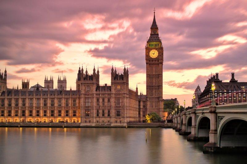 民主的追求:英國的民主進行式