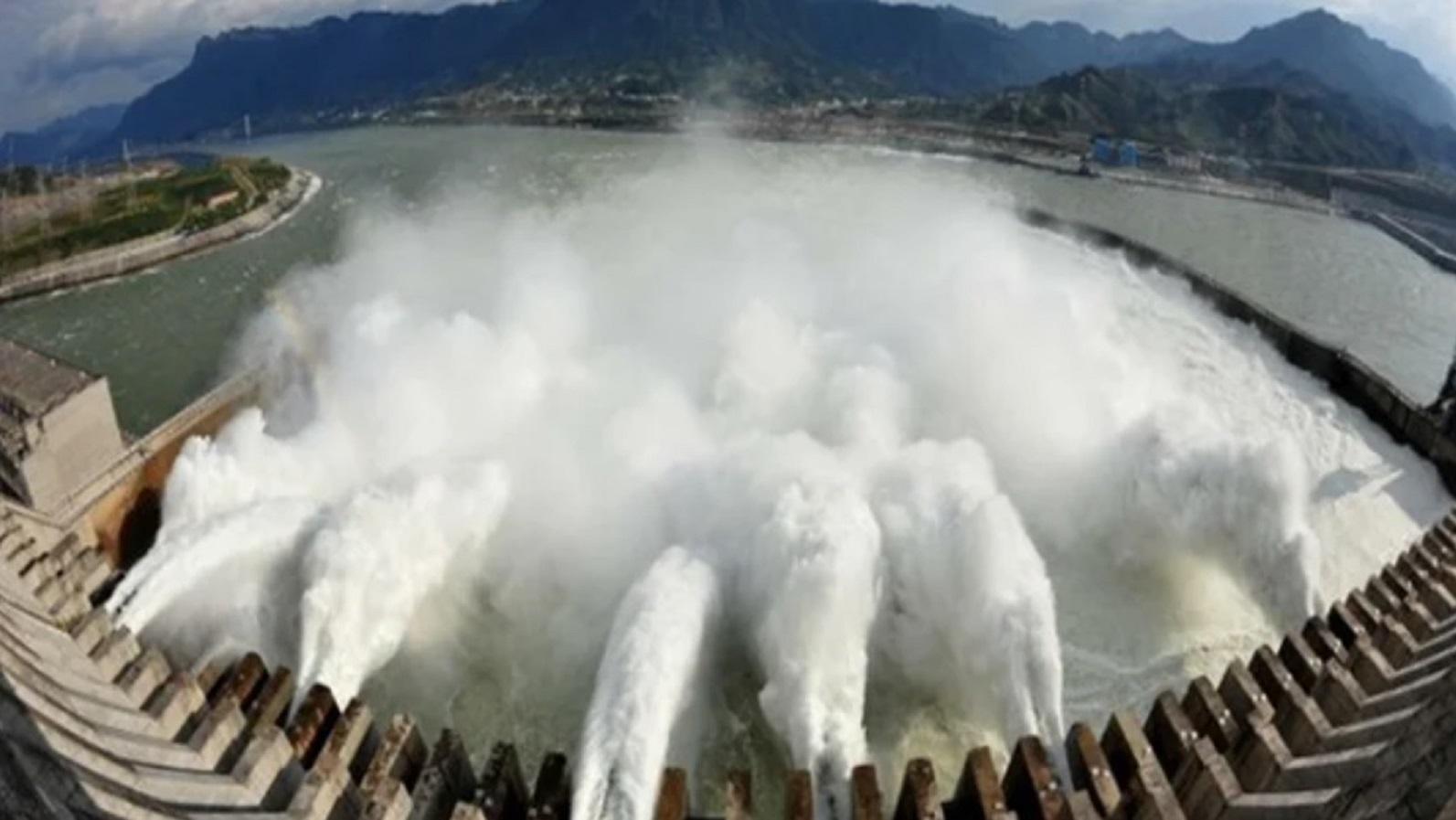 三峽大壩變形與潰堤危機